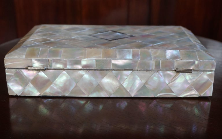 Antique and Extra Large Mother of Pearl Jewelry Box with Silver Lock and Hinges For Sale 2
