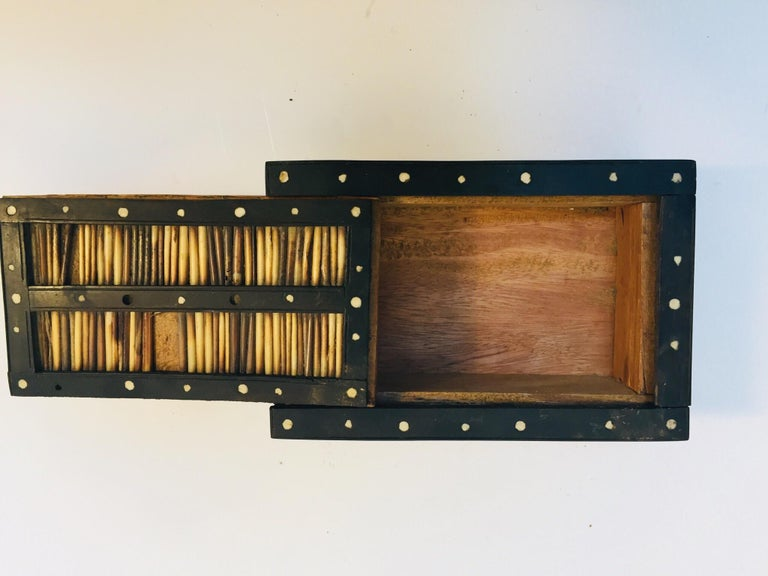 Antique Anglo Indian Box Handcrafted in Ebony and Porcupine Quills For Sale 4