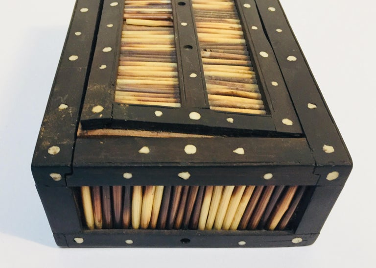 Antique Anglo Indian Box Handcrafted in Ebony and Porcupine Quills For Sale 1