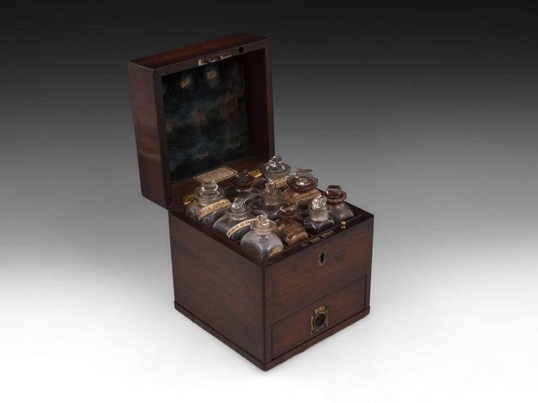 Mahogany Antique Apothecary Medicine Box G. Marhsall & Co, 19th Century