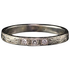 Antique Art Deco 18 Karat White Gold Diamond Band
