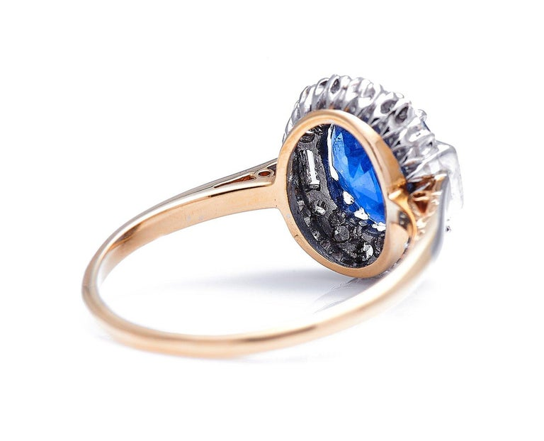 Antique, Art Deco, 18 Carat Gold, Burmese Sapphire and Diamond Cluster Ring In Excellent Condition For Sale In Rochford, Essex