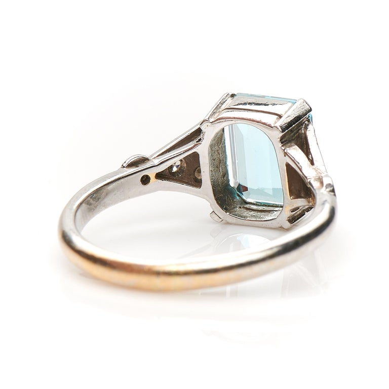 Antique, Art Deco, 18 Carat Gold, Platinum, Aquamarine and Diamond Engagement In Good Condition For Sale In Rochford, Essex