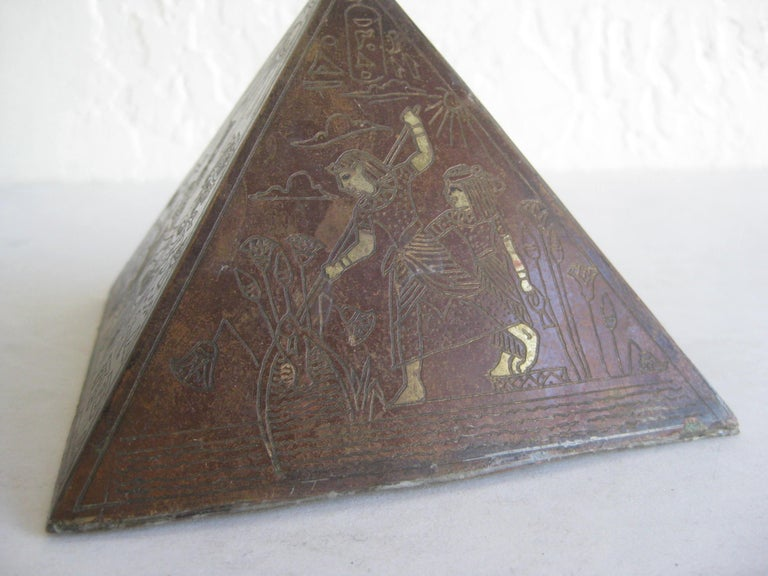 Antique Art Deco Brass & Copper Egyptian Revival Pyramid Desk Statue Paperweight In Good Condition For Sale In San Diego, CA
