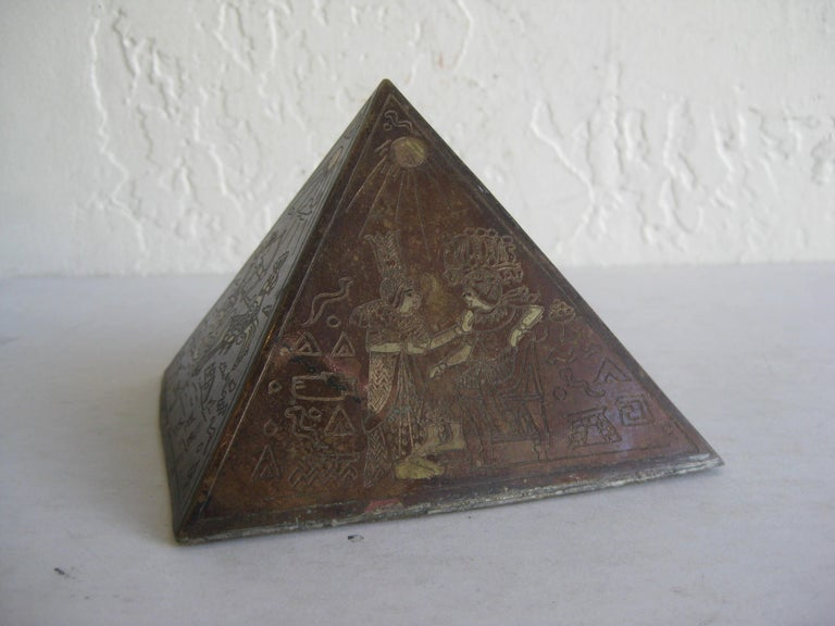 Antique Art Deco Brass & Copper Egyptian Revival Pyramid Desk Statue Paperweight For Sale 5