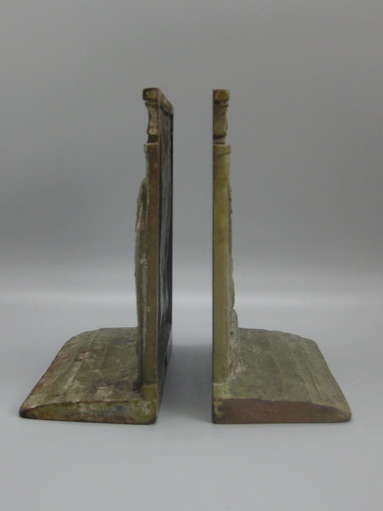 Antique Art Deco Egyptian Revival Judd #9900 Embossed Sphinx Cast Iron Bookends For Sale 11