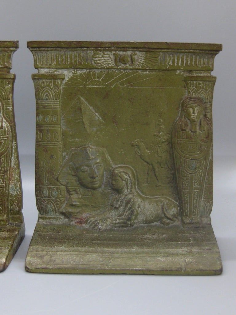 American Antique Art Deco Egyptian Revival Judd #9900 Embossed Sphinx Cast Iron Bookends For Sale