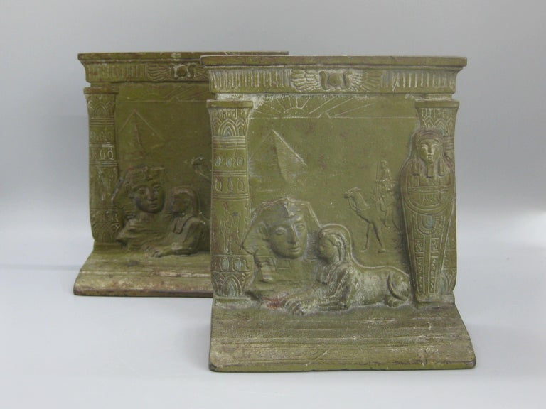Antique Art Deco Egyptian Revival Judd #9900 Embossed Sphinx Cast Iron Bookends In Good Condition For Sale In San Diego, CA