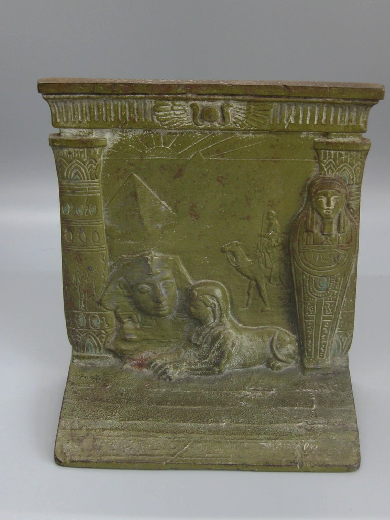 Antique Art Deco Egyptian Revival Judd #9900 Embossed Sphinx Cast Iron Bookends For Sale 2