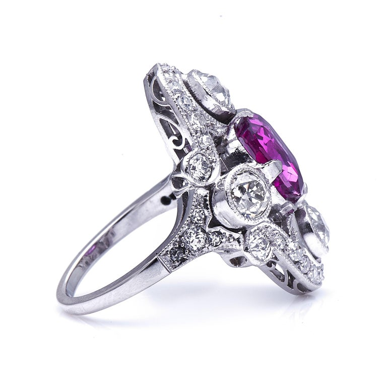 Antique Art Deco, French, Platinum, Large Pink Sapphire and Diamond Ring In Excellent Condition For Sale In Rochford, Essex