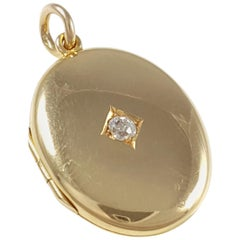 Antique Art Deco George V 18 Karat Yellow Gold Diamond Locket Pendant