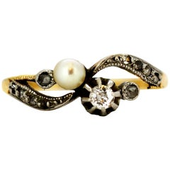 Antique Art Deco Period French 18 Karat Gold Ladies Ring with Pearl and Diamond