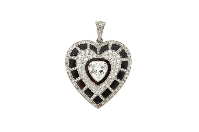 Antique Art Deco Platinum Black Onyx Diamond Heart Pendant In Good Condition For Sale In New York, NY