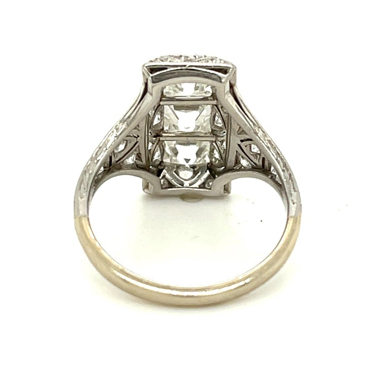 Antique Art Deco Platinum French Cut Diamond Filigree Ring In Good Condition For Sale In New York, NY
