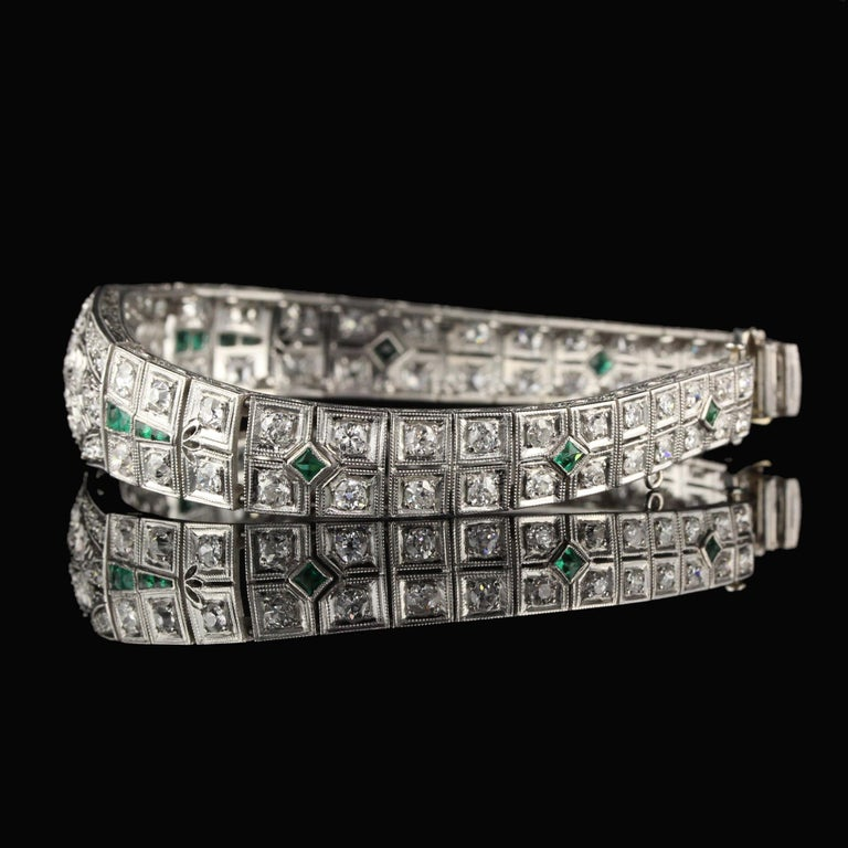 Antique Art Deco Platinum Old Euro Cut Diamond and Emerald Bracelet In Good Condition For Sale In Great Neck, NY