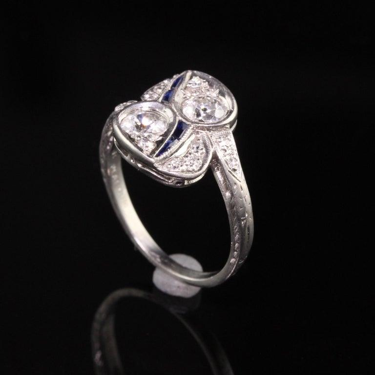Women's Antique Art Deco Platinum Old European Diamond Toi et Moi Ring For Sale