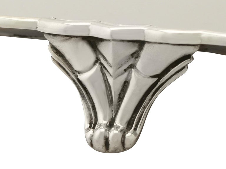 Mid-20th Century Antique George V Art Deco Style Sterling Silver Salver by Reid & Sons For Sale