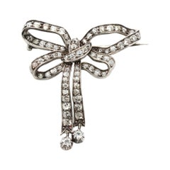 Antique Victorian Platinum Brooch in the Shape of a Bow Tie with Diamonds