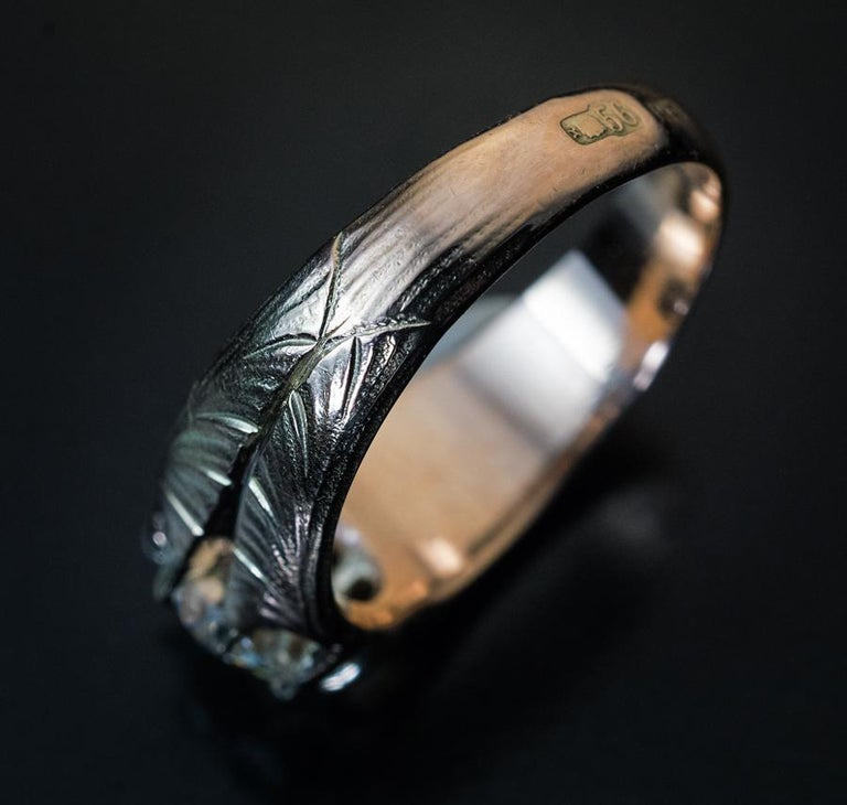 Antique Art Nouveau 1.70 Carat Old Cushion Cut Diamond Unisex Ring In Excellent Condition For Sale In Chicago, IL