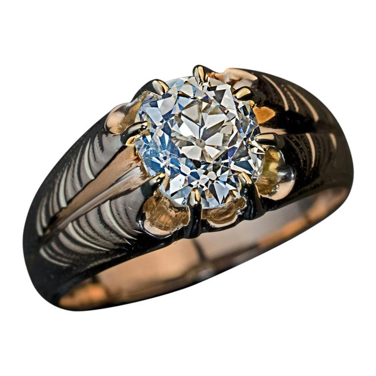Antique Art Nouveau 1.70 Carat Old Cushion Cut Diamond Unisex Ring For Sale