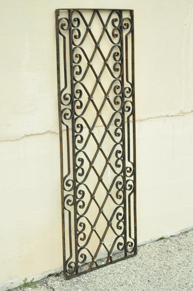 Antique Art Nouveau French Style Wrought Iron Scrolling Scrollwork Gate For Sale 5