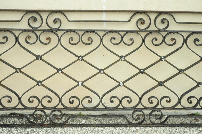 Antique Art Nouveau French Style Wrought Iron Scrolling Scrollwork Gate In Good Condition For Sale In Philadelphia, PA