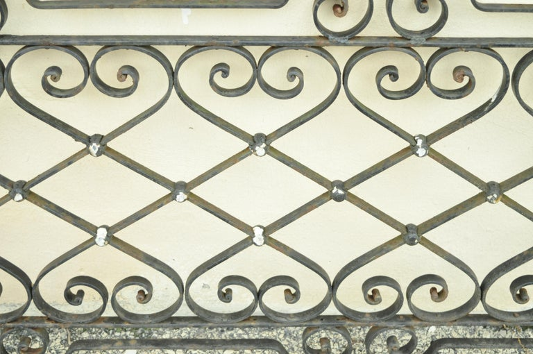Antique Art Nouveau French Style Wrought Iron Scrolling Scrollwork Gate For Sale 1