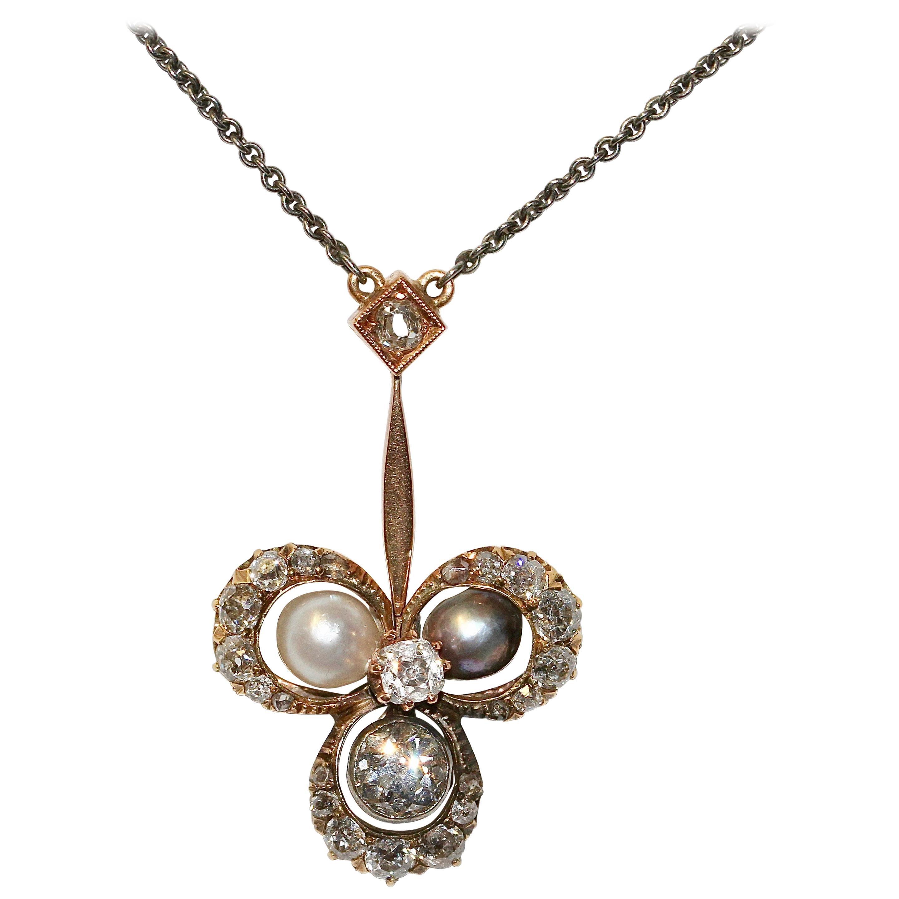 Antique Art Nouveau Gold Necklace, Pendant, with Diamonds and Natural Pearls