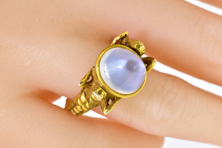 Antique Art Nouveau Natural Moonstone and Gold Figural Ring, circa 1900 For Sale 1