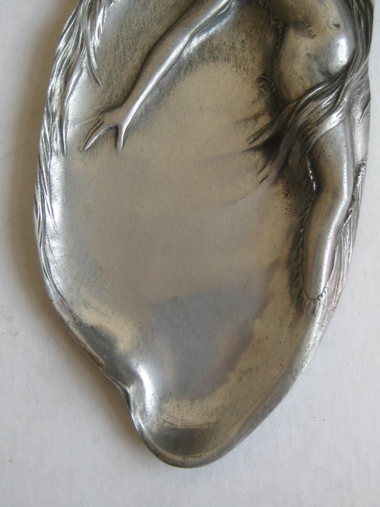 Antique Art Nouveau Nude Lady Woman Figural E.P.U. Relief Design Pewter Tray In Excellent Condition For Sale In San Diego, CA