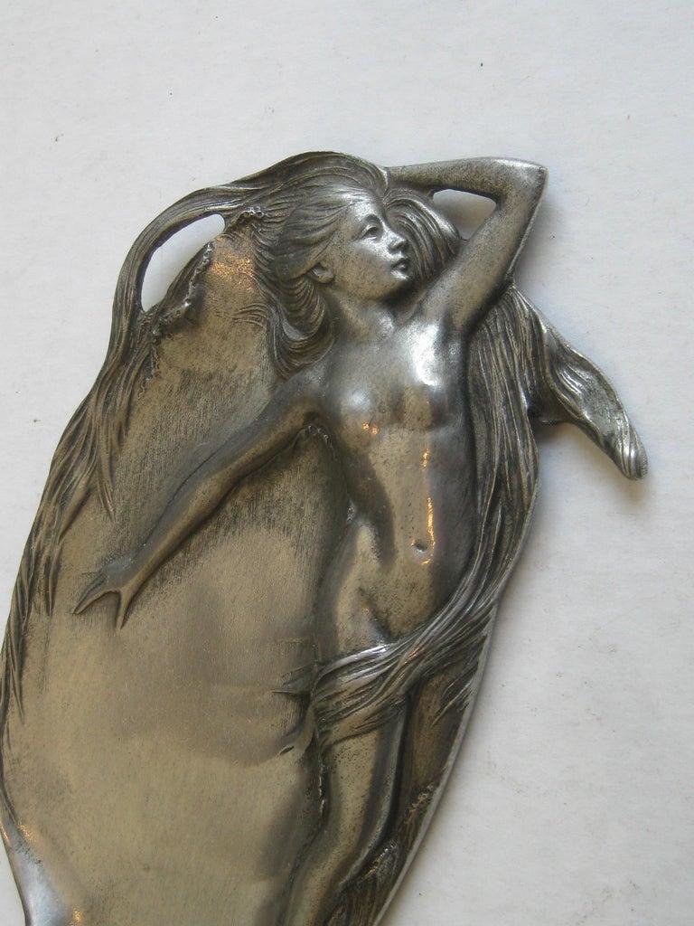 Antique Art Nouveau Nude Lady Woman Figural E.P.U. Relief Design Pewter Tray For Sale 4