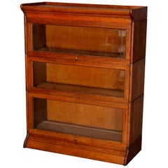Antique Arts & Crafts Mission Oak GRM 3-Section Barrister Bookcase, circa 1910
