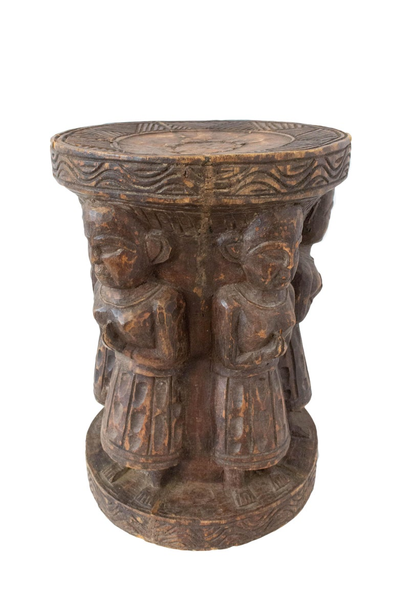 19th century Asian stool with four characters Carved from a single piece of wood Good antique condition, solid and sound  For shipping: 40/28/28 cm 5 kg.
