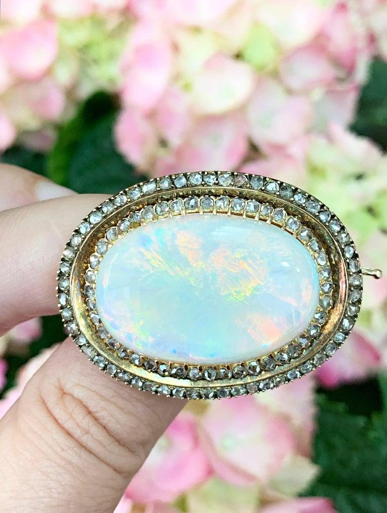 Antique Australian Opal and Diamond 18 Carat Gold Brooch, circa 1900s For Sale 3