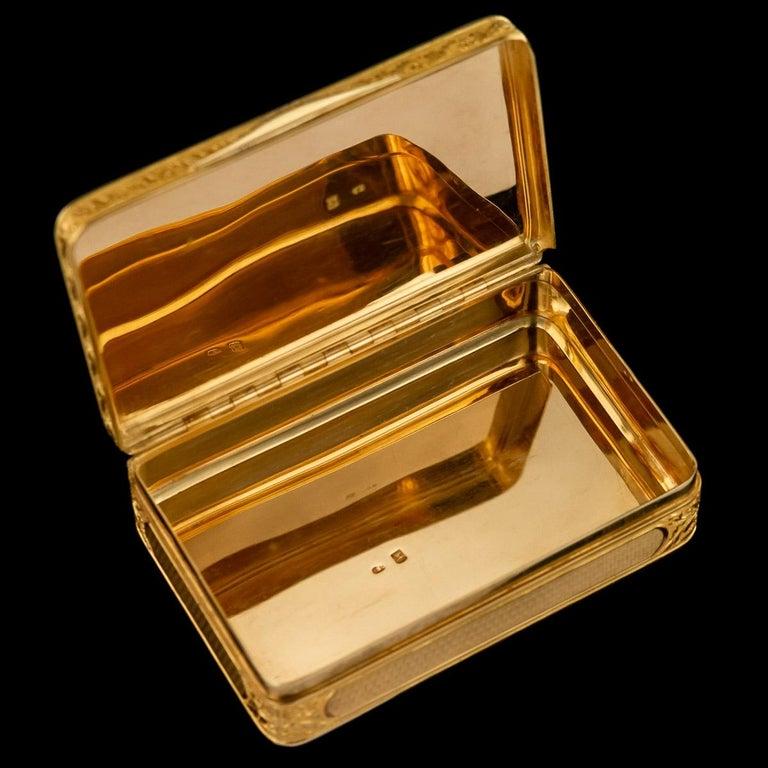 19th Century Antique Austrian 18 Karat Four-Color Gold Snuff Box, Felix Paul, circa 1810 For Sale