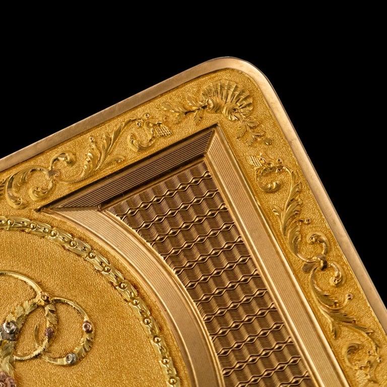 Antique Austrian 18 Karat Four-Color Gold Snuff Box, Felix Paul, circa 1810 For Sale 2
