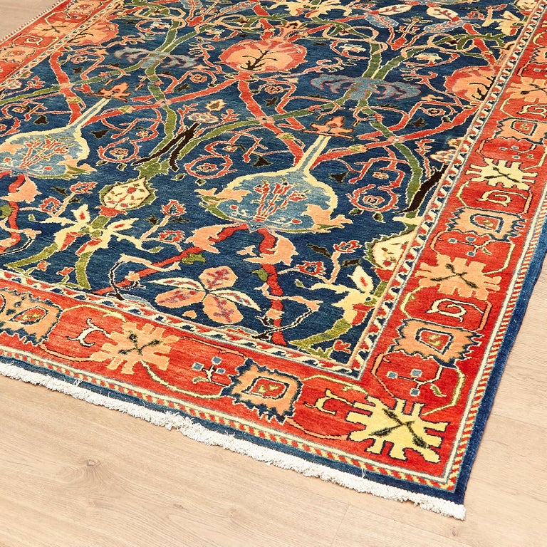 Antique Azeri Arts & Crafts Turkey Hand Knotted Large Rug, 1980 In Good Condition For Sale In Barcelona, Barcelona