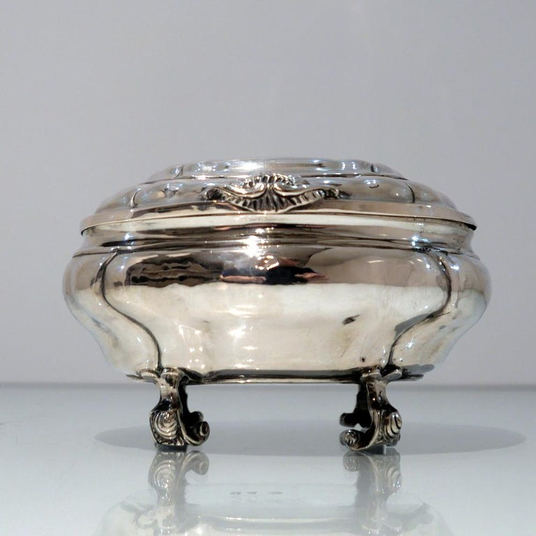 Antique Baltic Silver Oval Sugar Box Reval circa 1750 'maker AOB?' In Good Condition For Sale In 53-64 Chancery Lane, London
