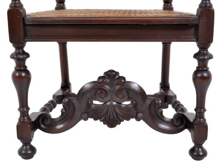 Antique Baroque Carved Walnut Throne Chair, circa 1880 For Sale 4