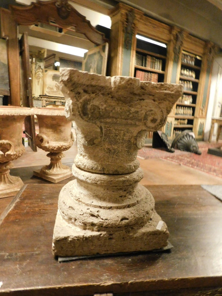 Antique Base and Capital of a Column, Carved Sandstone, 1700, Italy For Sale 3