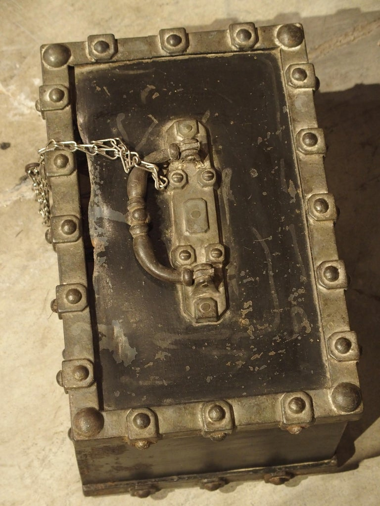 French Antique Bauche Cast Iron Safe from Northeastern France, circa 1870 For Sale