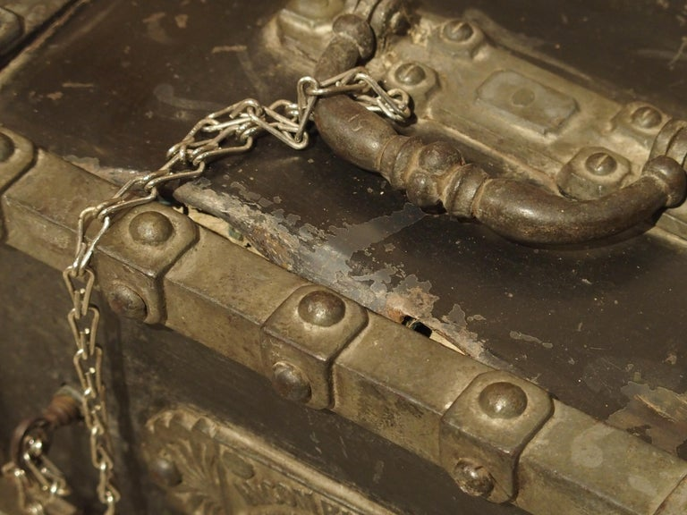 Polished Antique Bauche Cast Iron Safe from Northeastern France, circa 1870 For Sale