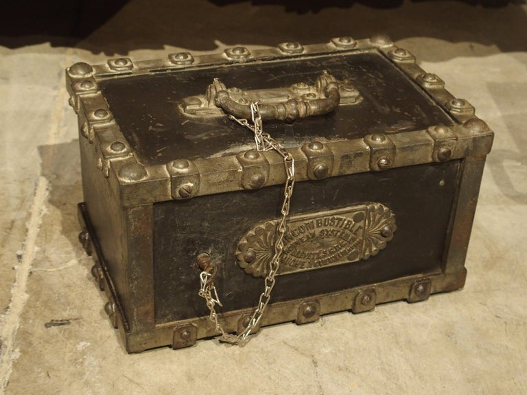 Antique Bauche Cast Iron Safe from Northeastern France, circa 1870 For Sale 3