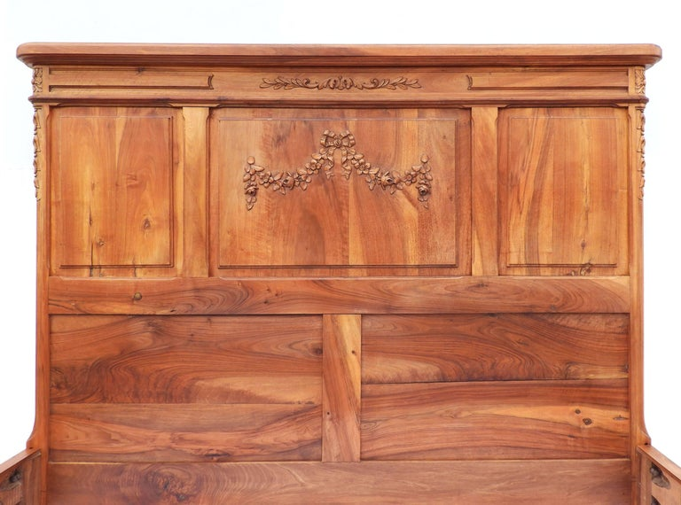Walnut Antique Bed US Queen UK King Size French 19th Century Louis