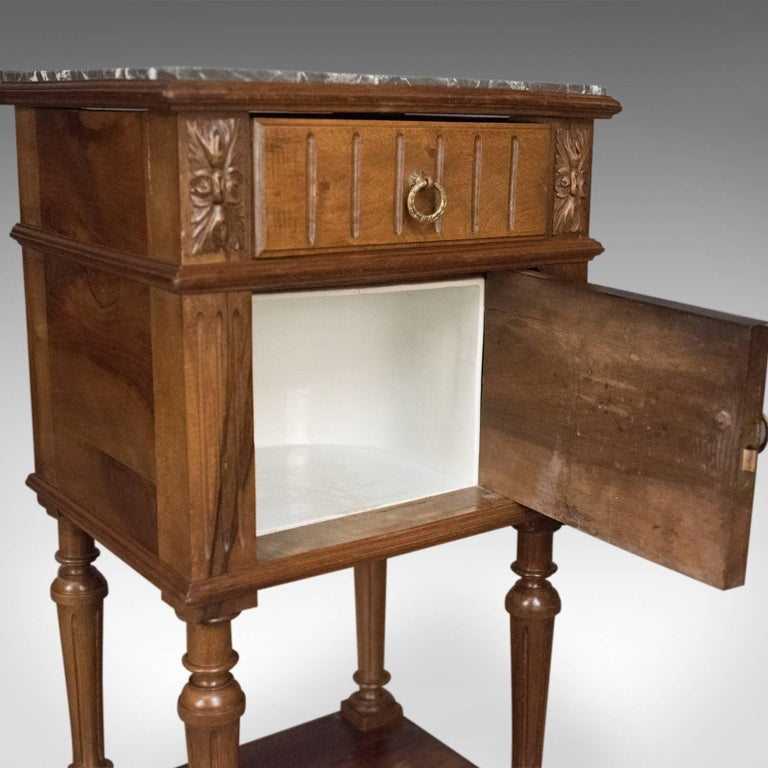 Antique Bedside Cabinet, Victorian Marble-Top Pot Cupboard, Walnut, circa 1900 For Sale 4