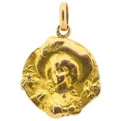 Antique Belle Époque French Emile Dropsy 18 Karat Gold Repousse Pendant