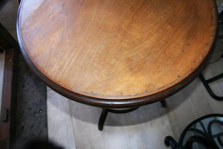 Antique Bentwood Bistro or Side Table Thonet Style by Fischel For Sale 1