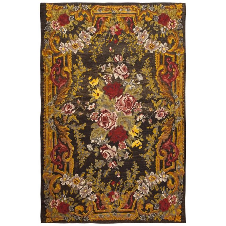 Antique Bessarabian Kilim. Size: 7 ft 6 in x 11 ft 4 in (2.29 m x 3.45 m) For Sale