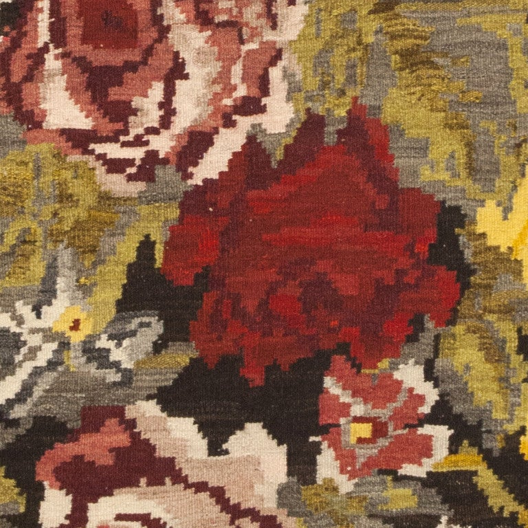 Wool Antique Bessarabian Kilim. Size: 7 ft 6 in x 11 ft 4 in (2.29 m x 3.45 m) For Sale