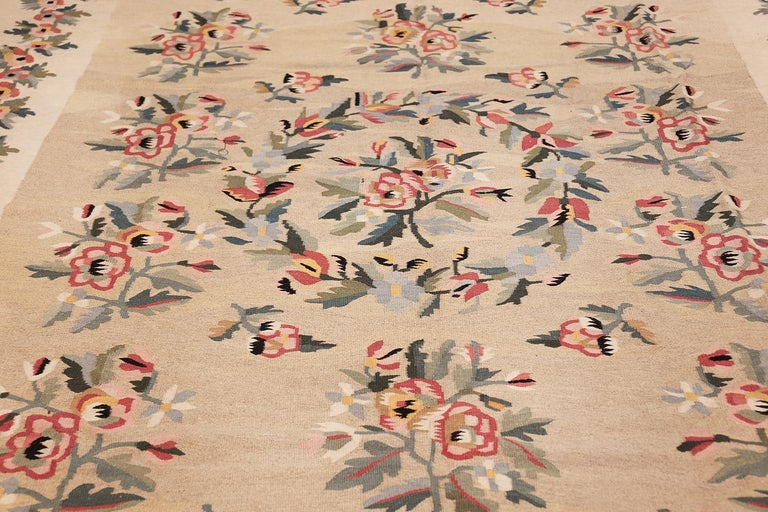 Romanian Antique Besserabian Kilim. Size: 7 ft 7 in x 10 ft 8 in (2.31 m x 3.25 m) For Sale